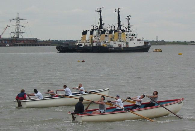 Gravesend May Queen event, rowing competition