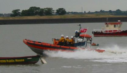 Gravesend May Queen event, lifeboat demonstration