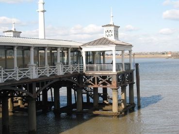 Gravesend pier with restaurant 6 March 2009