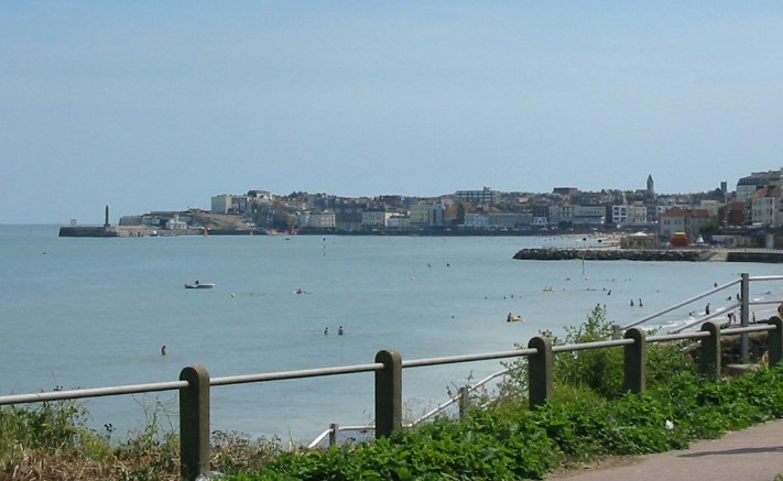 Margate bay and town