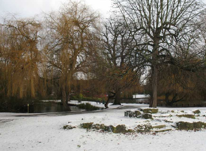 Orpington Priory Gardens in snow 2