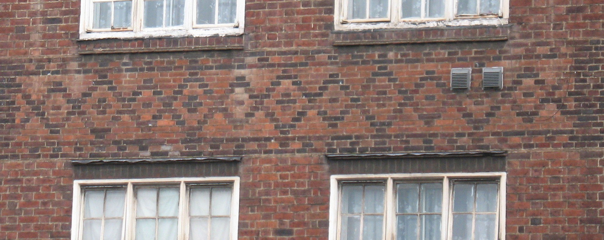 Patterned brickwork